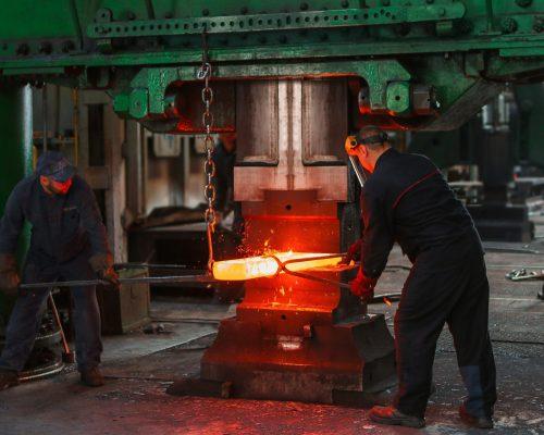 artisan-blacksmith-dark-2760289